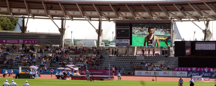 Écran géant stade athlétisme